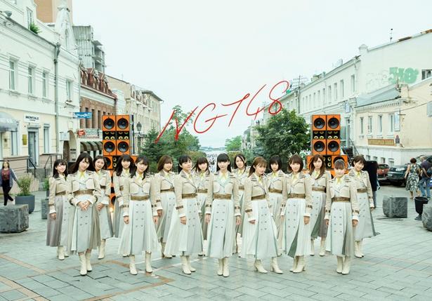 「ららぽーと名古屋みなとアクルス」でミニライブを開催するNGT48