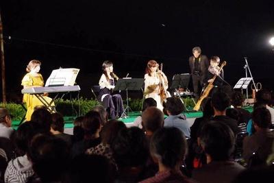 11月23日(祝)には弦楽器「竹凛共振」のライブ演奏を開催