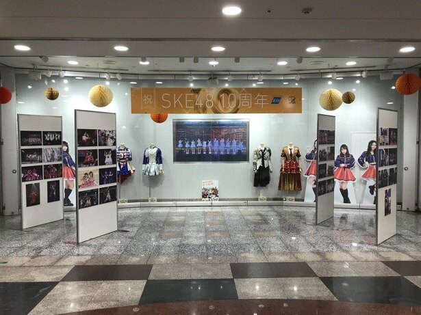 名古屋駅地下街ESCAでは衣装が展示されている