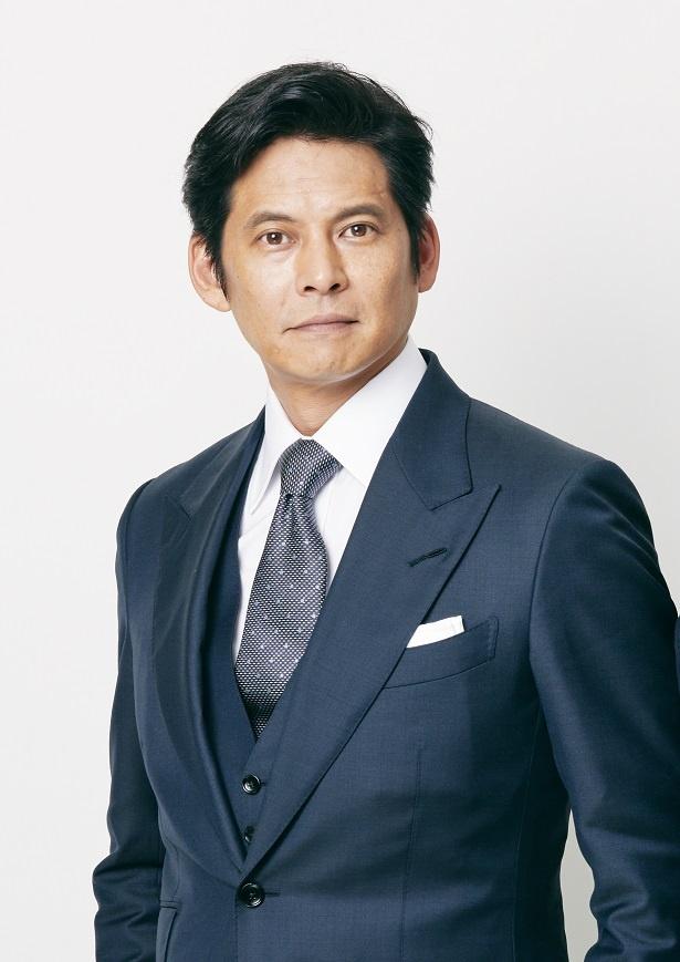 頭はキレるが傲慢なエリート弁護士・甲斐を演じる織田裕二。勝利のためには手段を選ばない