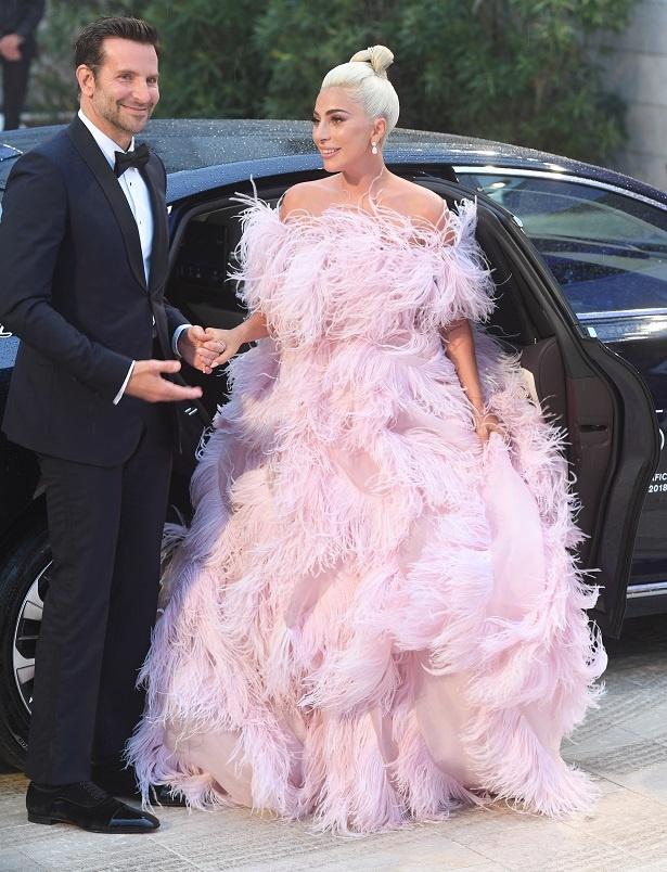 ヴェネチア国際映画祭でのガガのドレスは話題となった