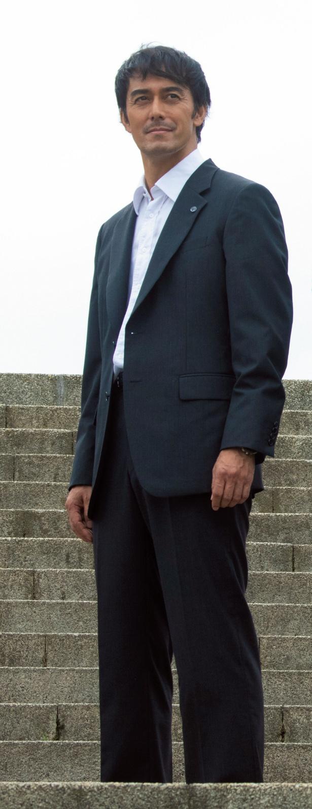 スーツのヨレ感が佃社長らしさを演出している「下町ロケット」
