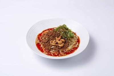 【写真を見る】辛さやトッピングがアレンジできる「汁なし担担麺」850円
