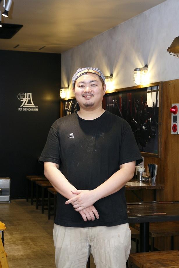 店長の小林元輝さん。県央に担々麺の魅力を伝える