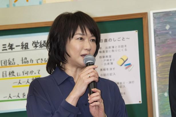 晶(岡田健史)の母親を演じる夏川結衣