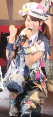 センター大島優子のダンスのキレはピカイチ