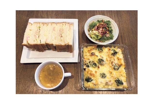 グラタンには、冷凍肉と余り野菜を使用