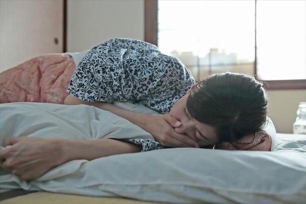 第8回(10月9日放送)シーンより回。咲(内田有紀)の病状は次第に悪化していった