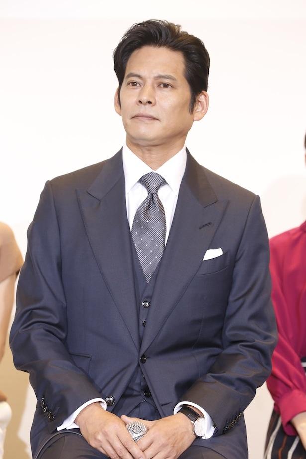 好発進の「SUITS/スーツ」に主演する織田裕二
