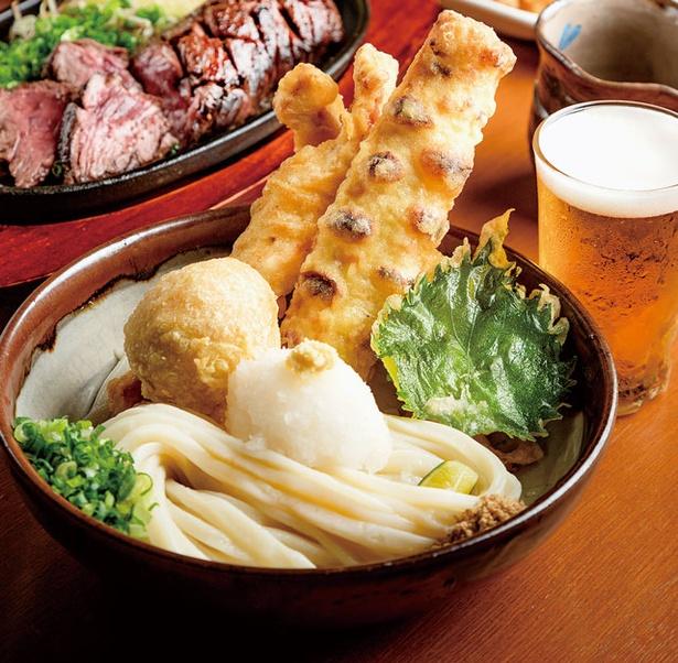 麺-BAR-KOMOAN / かしわ天、ちくわ天、煮卵天を盛る「元喜盛りぶっかけ」(972円)