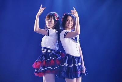【写真を見る】江籠裕奈と古畑奈和のコンビによる「⽬が痛いくらい晴れた空」