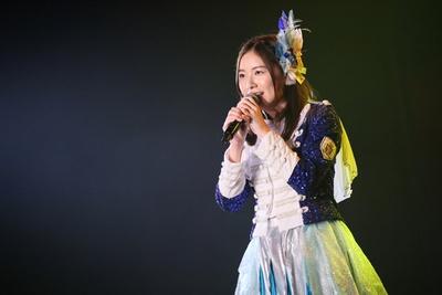 当時の映像とともに、1人きりで1期生の楽曲「神々の領域」を披露した松井珠理奈