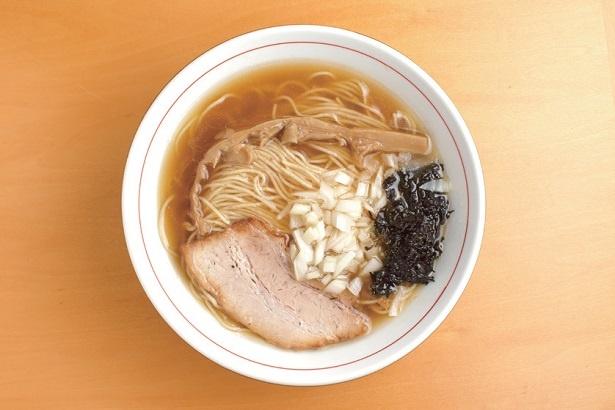 煮干しの香りと風味たっぷり「煮干しそば」780円
