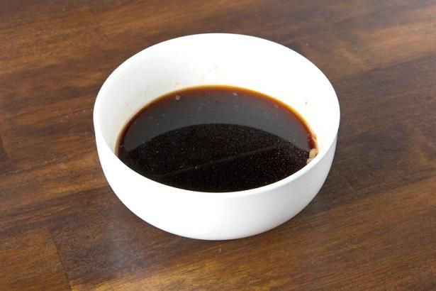 こだわりポイントの「カネシ醤油」の青ラベル
