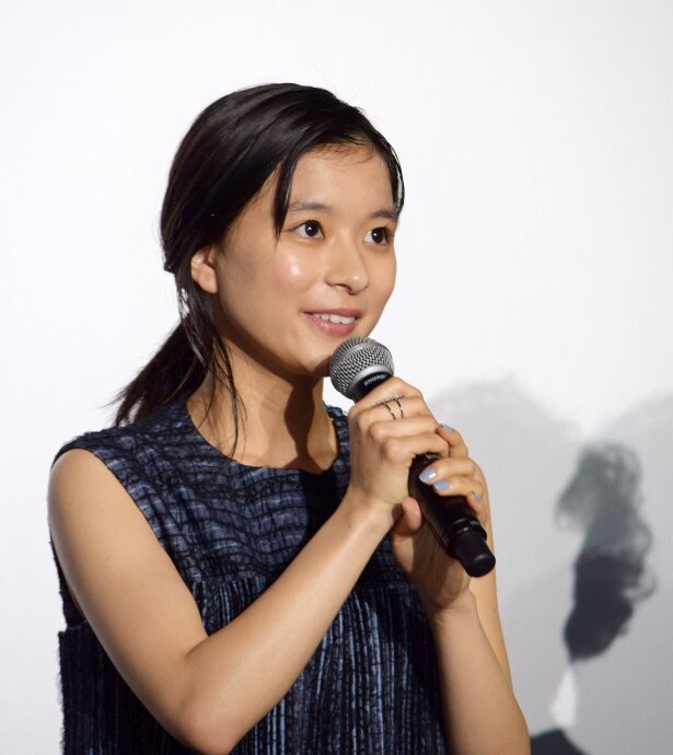 芳根京子といえば天真らんまんな笑顔が魅力
