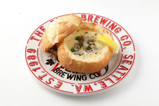 クラムチャウダーといえばシアトルかボストン、というほど現地で人気の料理/「クラムチャウダー」(税抜1380円)