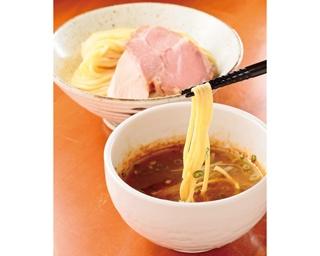 超こってりなつけ汁に極太麺がよく絡む!「つけ麺 舞」の「つけそば」(850円)