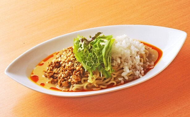 「汁なし担担麺」(820円)はクリーミーなこってり系/「中華そば 呵呵」