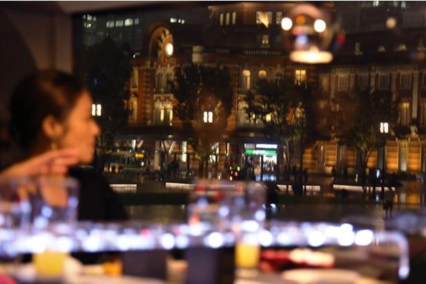 光り輝く街並みは絶好のフォトスポット。フォトジェニックな写真を狙おう