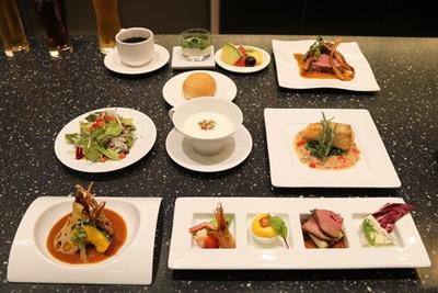 ディナーコースの料理。ランチコースから魚料理が追加され、全9品となる