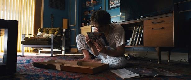 【写真を見る】アナタはいくつ見つけられる?本作を読み解くヒントがちりばめられたが画像を大量放出!