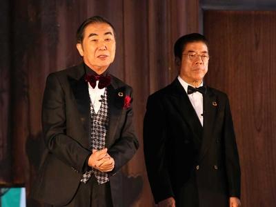 若いころ、映画に出たかったと懐かしむ桂文枝(左)と西川きよし