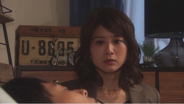 【写真を見る】幸助(山下健二郎)とあずさ(佐津川愛美)のキスシーンも