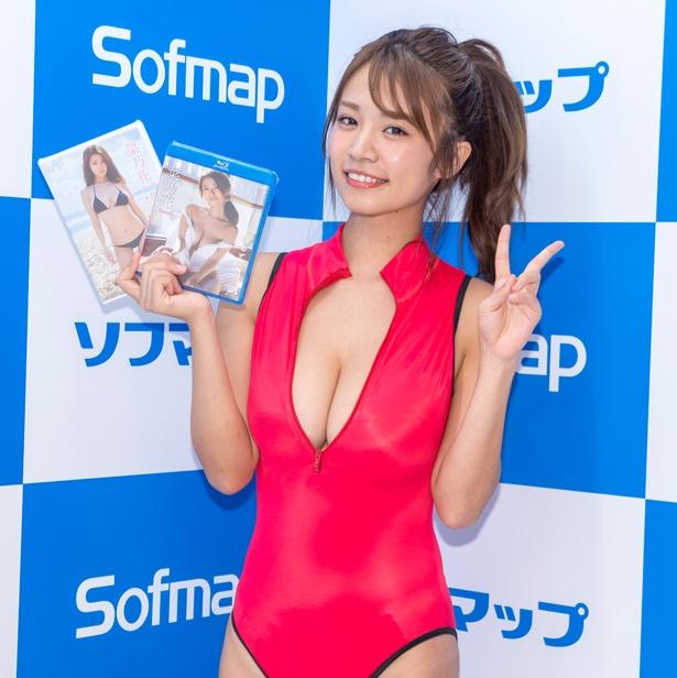菜乃花DVD&Blu-ray「君のとなりで」(ラインコミュニケーションズ)発売イベントより