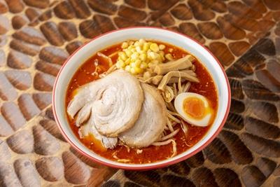 「信州味噌ラーメン」(750円)辛味を追加でトッピングできる
