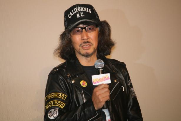 メガホンをとった三木聡監督