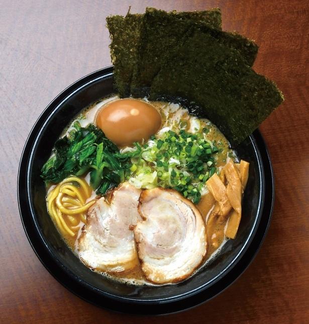 横浜家系風ラーメン王道の味わい、破ぐん星麺850円
