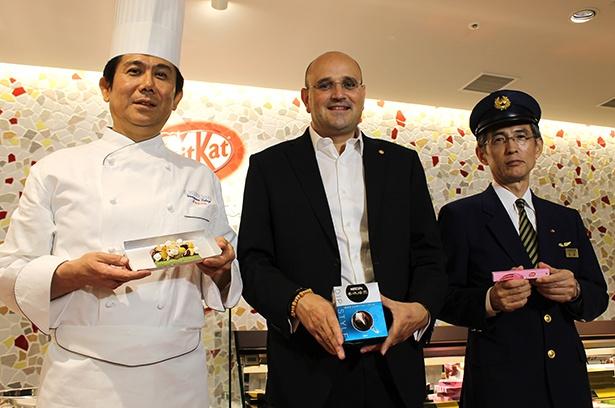 訪日外国人旅行者で賑わう大阪・難波に西日本初の体験型「キットカットショコラトリー」オープン! インバウンド向けチケットカウンターも
