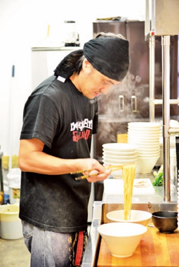 無添加、無化調にこだわったラーメンを作る店主の諏訪昌良さん