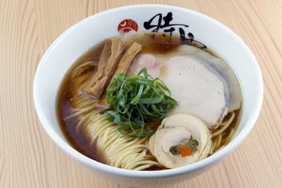 中華蕎麦(780円)。食材の扱いや仕込みに時間をかけた一杯