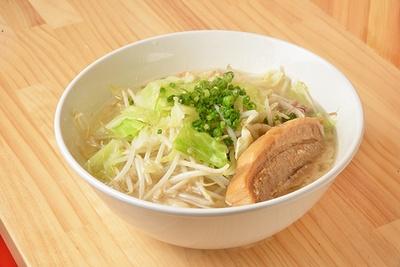 味のポイントは乳化スープの「ラーメン(並)」(800円)