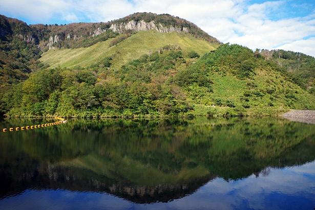 船上山が一斉に色づく秋はぜひ訪れたい
