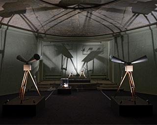 パレ・ド・トーキョー(パリ)で2018年に展示された「Childhood」