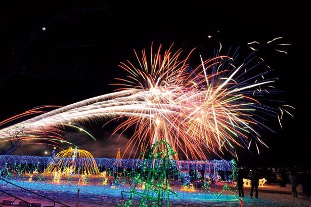 「榛名湖イルミネーションフェスタ2018」では12月7日(金)・10日(月)・13日(木)・17日(月)・20日(木)・26日(水)の計6回、花火の打ち上げを予定