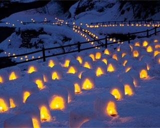 雪と光のコラボが幻想的!「湯西川温泉かまくら祭り」「蔵王樹氷まつり」