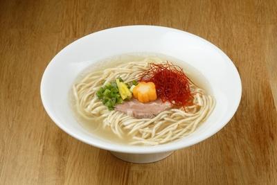 「真鯛だしラーメン」 (756円)真鯛から取ったスープは柔らかな口当たりで滋味深い味わい