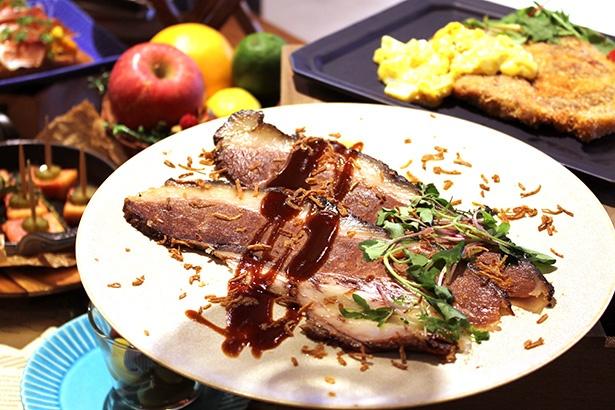 PICK UP!! MEATのディナーで提供される「国産牛ブリスケロースト(1人前 税抜1,280円)」