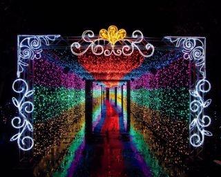 遊園地&テーマパークを彩る華やかなイルミネーション3選