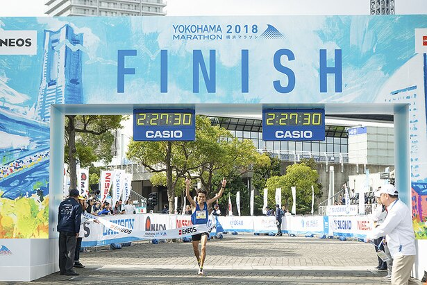 初参加した坂口 享さんが2時間27分31秒でフィニッシュ!「沿道の皆さんの応援がすごい温かいマラソンで、それを力にしてなんとか走りきることができました」とコメント