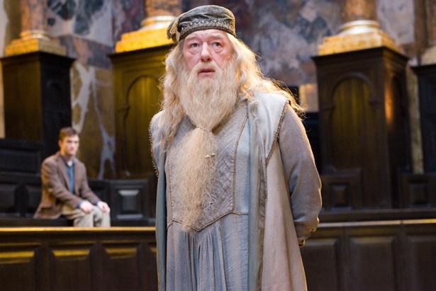 『ハリー・ポッターと不死鳥の騎士団』でダンブルドア校長を演じたのは名優マイケル・ガンボン