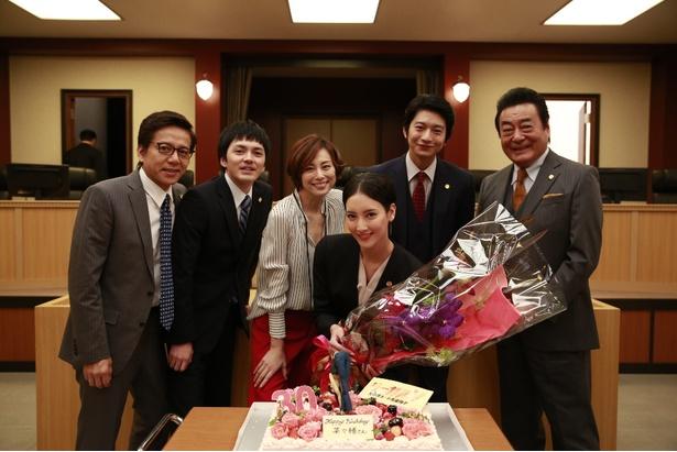 菜々緒30歳の誕生日を米倉涼子、向井理、林遣都らが祝福! 抱負は「米倉さんのような素敵な女性になりたい」