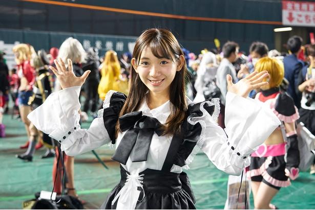 元AKBの新人アナウンサー・小林茉里奈がコスプレイベントに潜入!