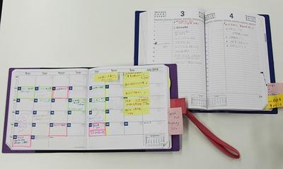 物流担当の女性はマンスリーとデイリーの2冊を使い、スケジュールやToDoを記入している