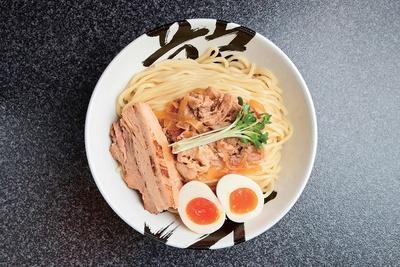 こちらもおすすめ。「濃厚龍冴つけ麺 (海老)」(1050円)