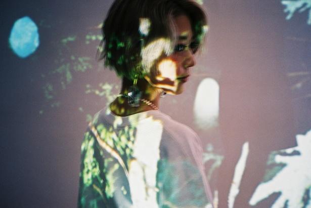 TVアニメ「からくりサーカス」エンディング・テーマ「マリオネット」を歌うロザリーナからコメントが到着!「アニメは映画みたいで最高」