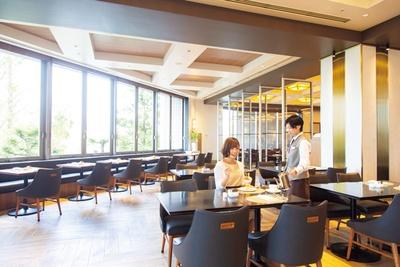 古きよきコーヒーハウスをイメージした店内/ 帝国ホテル 大阪 CAFÉ COUVERT